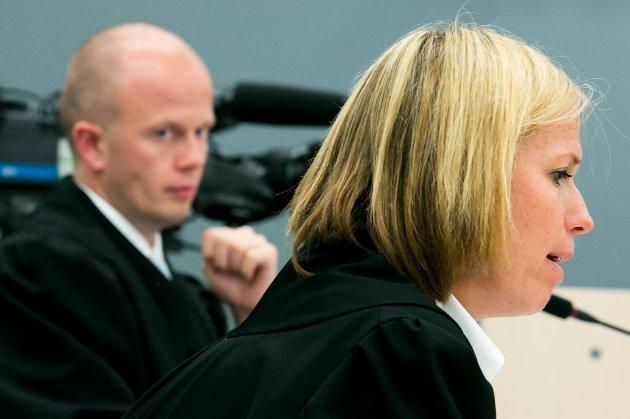Statsadvokatene Inga Bejer Engh og Svein Holden skal torsdag ettermiddag legge fram sine prosedyrer i rettssaken mot Anders Behring Breivik.