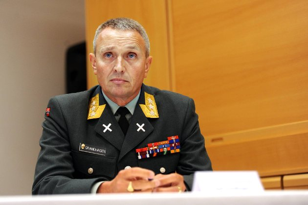 Sjefen for Etterretningstjenesten, general Kjell Grandhagen, bekrefter at nordmenn har fått terroropplæring av Al-Qaida i Jemen.
