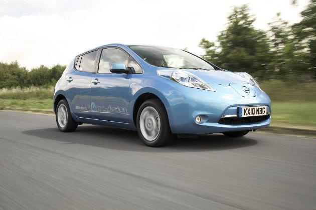 Nissan LEAF er den desidert mest solgte elbilen hittil i år og kommerhelt oppe på 16. plass av alle solgte personbiler i 2012.