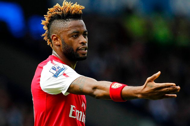 Alexandre Song forlater Arsenal.