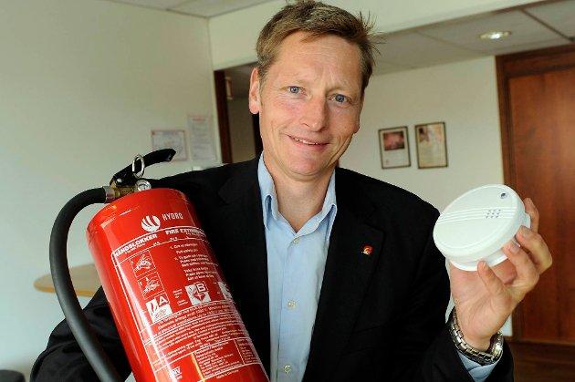 - Det holder ikke bare å ha røykvarsler og slokkeutstyr. Du må også vite at utstyret virker, påpeker administrerende direktør Dagfinn Kalheim i Norsk brannvernforening.
