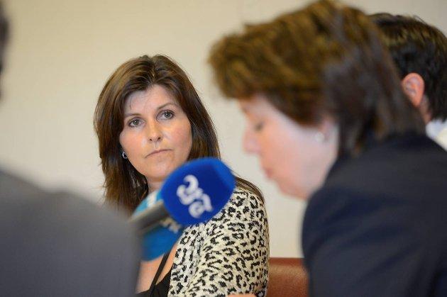 Marita Moltu (KrF, t..v.) og byrådsleder Ragnhild Stolt-Nielsen var blant de som la frem enigheten om trasé.