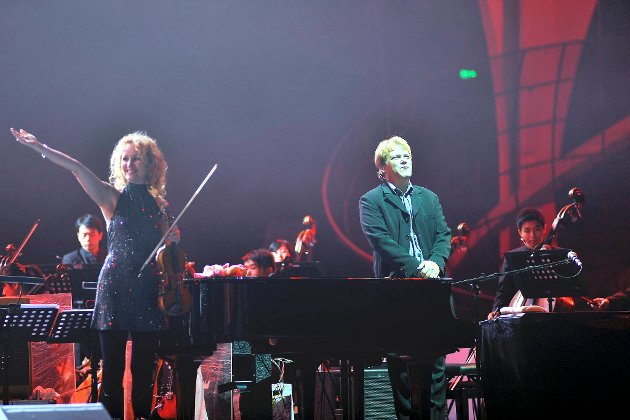 Rolf Løvland og Secret Garden begeistret publikum i Shanghai lørdag kveld.