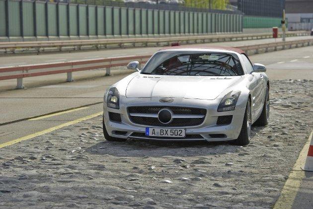 AMG kjører på med en roadster-utgave av SLS'en også.