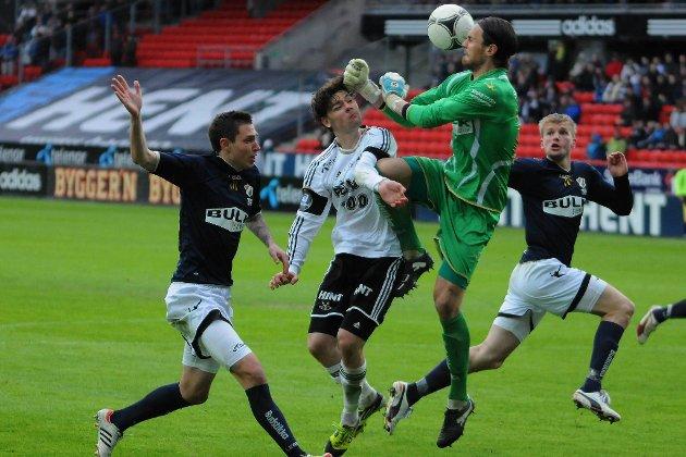 Jan Kjell Larsen og Stabæk står med fattige ett poeng etter syv eliteseriekamper.