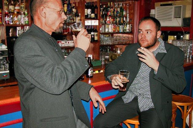 Hver fjerde yrkesaktive mener at alkohol hjelper dem å roe ned og slappe av etter en stresset arbeidsdag.