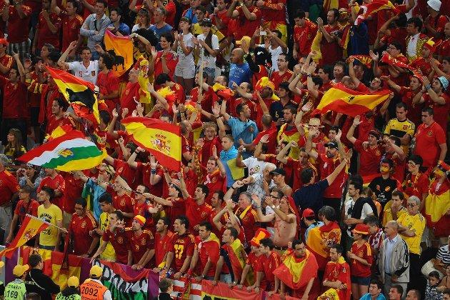 Bpde spanske og russiske supporter skal ha oppført seg rasistisk under fotball-EM.