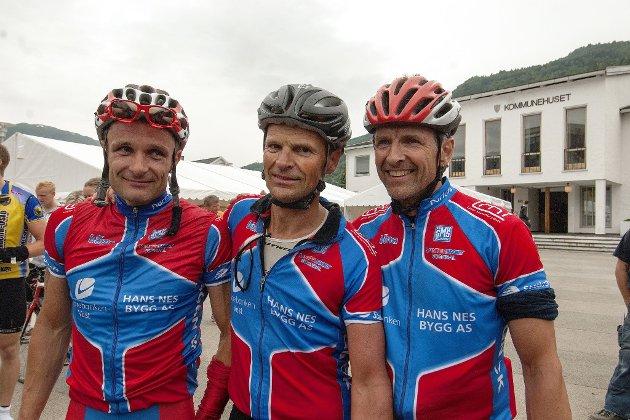 STOLTE: -Me greidde målet vårt, konstaterer frå venstre Bernt Ullebø, Geir Orrestad og Erik Stedje.
