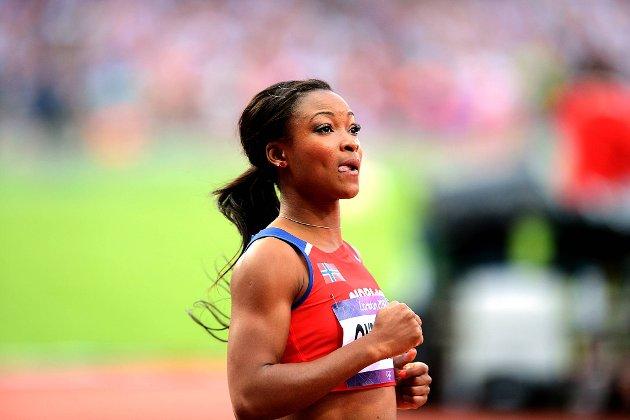 Ezinne Okparaebo løp inn til 11,10 på 100 meter i semifinalen. Det er ny norsk rekord.
