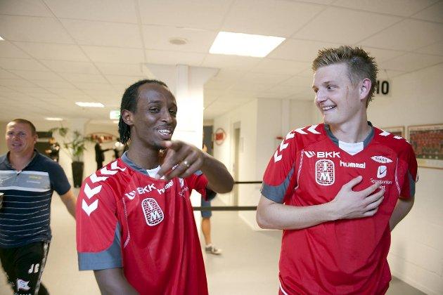 Tomålsscorer Amin Askar og Erik Huseklepp etter kampen.