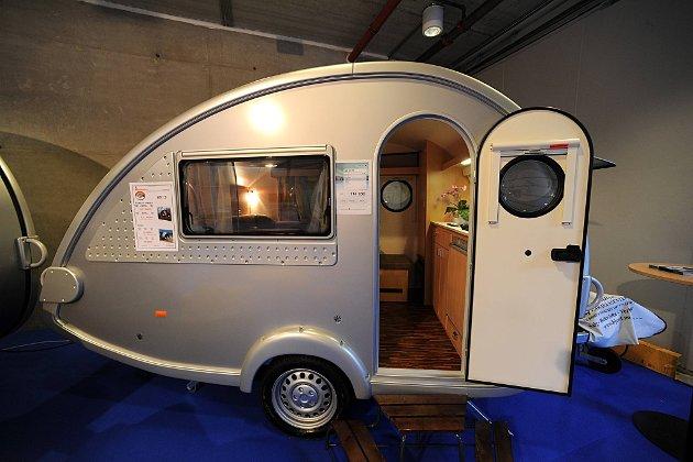 t@b 320 RS er den minste campingvogna på Caravanmessen 2012 og den billigste. Den koster 114.950 kroner.