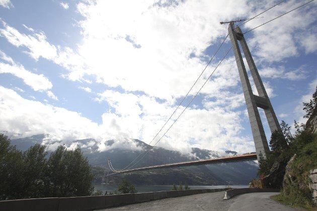 OPEN: Hardangerbrua mellom Vallavik og Bu.