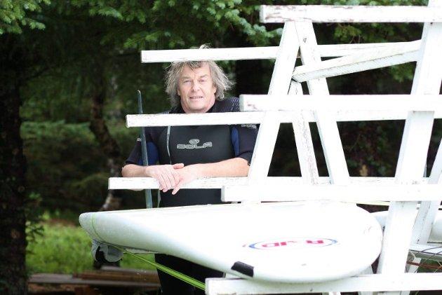 Brett. Kjell Vagle har lang fartstid i brettmiljøer sommer som vinter. Foto: Fatstone