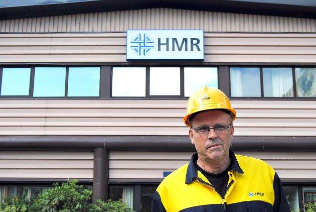 SER FRAMOVER: John Rune Fredsvik, dagleg leiar i HMR Årdal, ser lyst på framtida. -Me jobbar med å gjera oss meir uavhengige av Hydro og har mykje å gjera i haust, seier han.