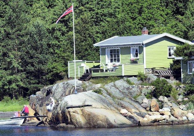 Kommunene gir altfor mange dispensasjoner for bygging i strandsonen, mener Naturvernforbundet.