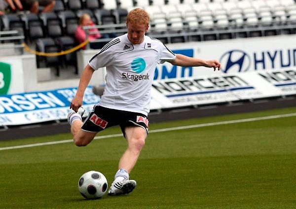 Porsgrunnsgutten Jan Tore Amundsen er klar for FK Tønsberg. Også Notodden vil ha 26-åringen som denne høsten har vært ute med et benbrudd.
