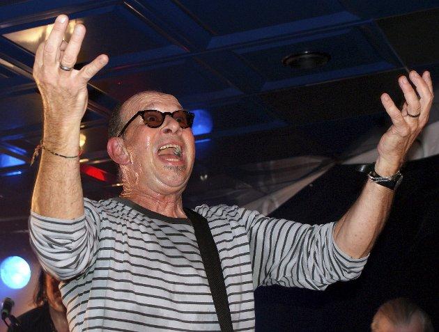 Chris Thompson, legendarisk rocker fra Mannfred Mann's Earth Band, nå med superdyktige Mads Eriksen band, sang på hardanger Hotel fredag 26. mars. Han hyllet publikum, og publikum hyllet ham. En magisk kveld med rockehits tett som hagl.