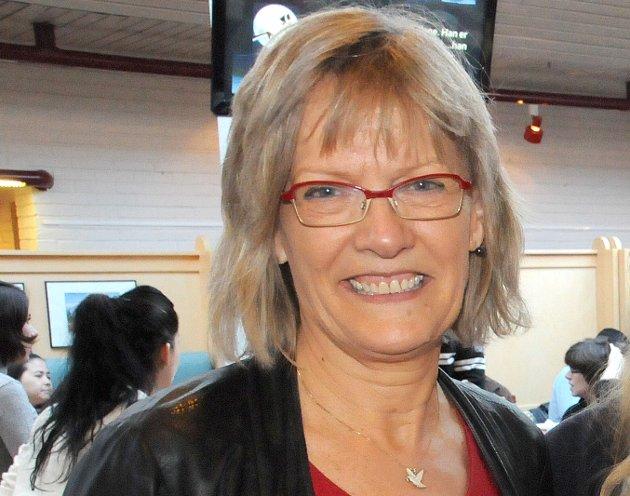 Karin Andersen lover å jobbe knallhardt i helga for å få til en mulig mellomløsning for arkivet på Tynset.