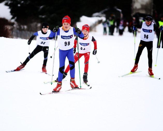 L?¶rdag 28. januar 2012: Kjellmyrasprinten: Rene Marsdal (98) fra Nes Ski i front, foran Petter Hanekamhaug (94) ogs?? fra Nes ski.  FOTO: MATS SLAASTAD BIRKELUND