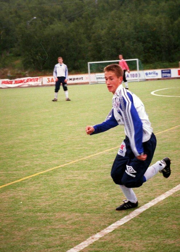 Morten Gamst Pedersen som tenåring og et ubeskrevet blad i proffsammenheng, men allerede beryktet måltyv i moderklubben Norild.