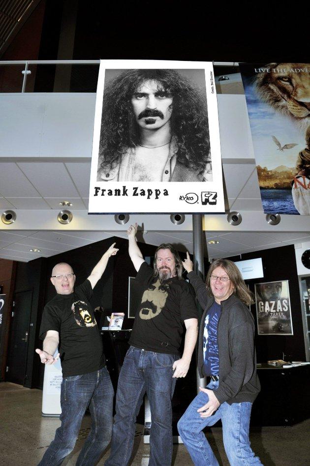 Klare: Arve Carlsen, Erik Trøim og Kjeld-Willy Hansen er klare for sin andre Zappa-festival på Bølgen. Det tror de resten av Norge er også. (Foto: Nils-Erik Kvamme)