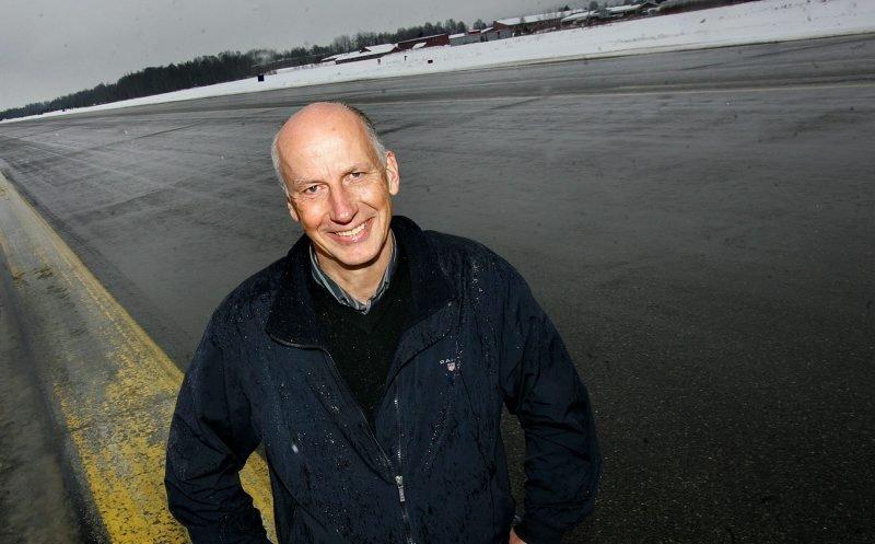 VISJONER: Per Berg tenker framtid når det gjelder LSK og veien mot Europa. Han tror at et superstadion her på Kjeller kan bli mer enn bare en drøm.  FOTO: LISBETH ANDRESEN