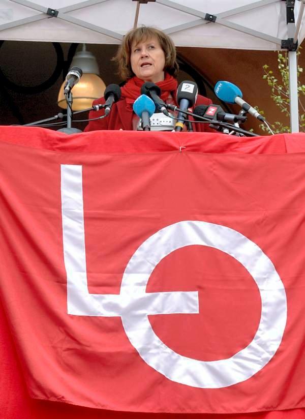LO-leder Gerd-Liv Valla ber regjeringen holde løftene sine fra valgkampen og å møte Hamas-regjeringens representanter når de kommer til Norge. (Foto: Vidar Ruud, ANB)