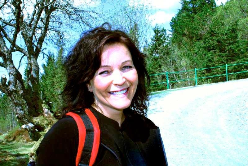 - Det er første gang jeg går 4-fjellsturen. Det er både tungt og deilig, mener Anita Frekhaug (42) glad. (Foto: Tove Gulbrandsen)