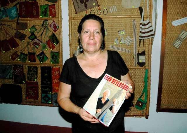 Rosmary er en av guidene på museet og godt kjent med Thor Heyerdahls innsats og ikke minst hans bok om utgravningene, som hun selv riktignok ikke har på norsk.