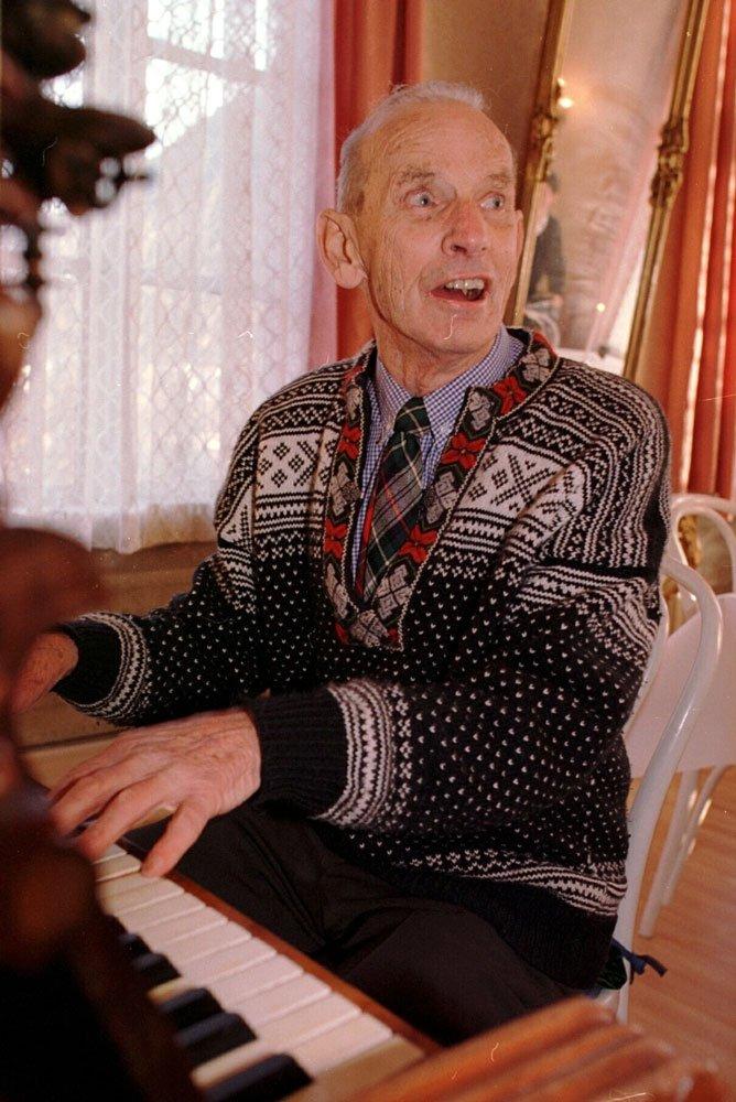Fredrik Kayser ble 90 år gammel. (18.11.97)