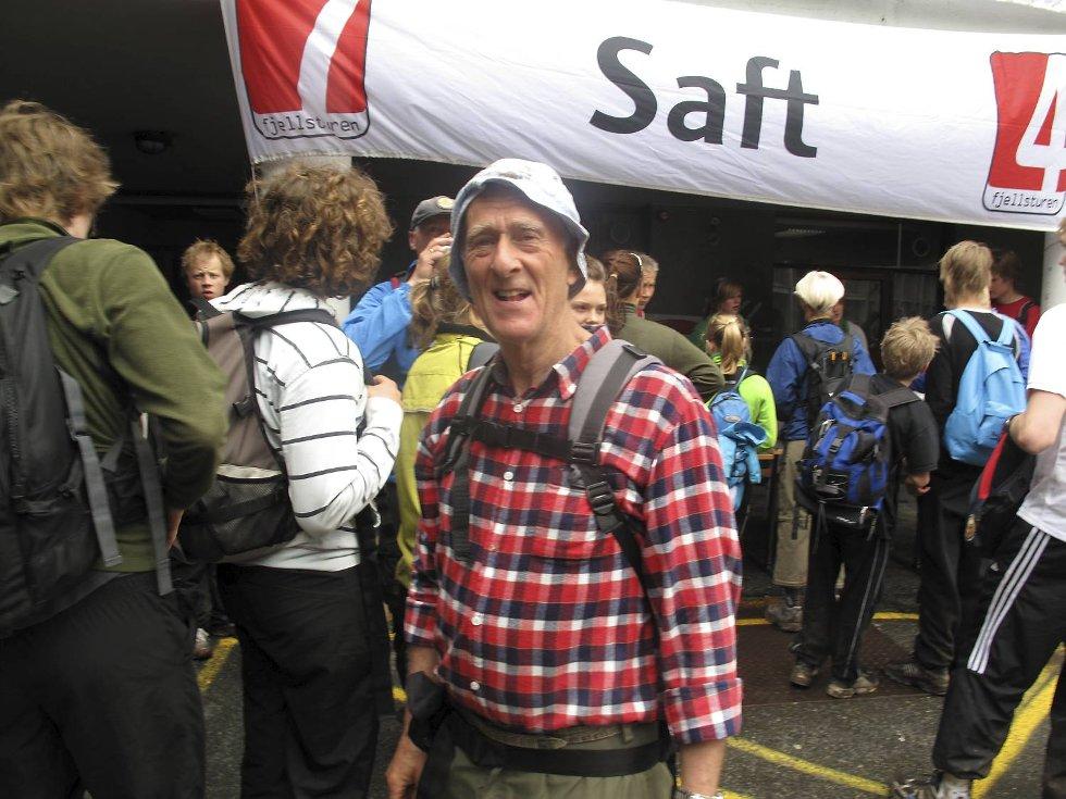 - Det er imponerende mange ungdommer i fjellet, sier Nils Klubben (67) på Danmarks Plass. (Foto: Geir Jetmundsen)