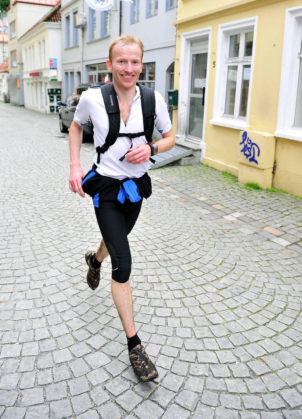 Sverre Slethaug var førstemann i mål under 7-fjellsturen. (Foto: Magne Turøy)