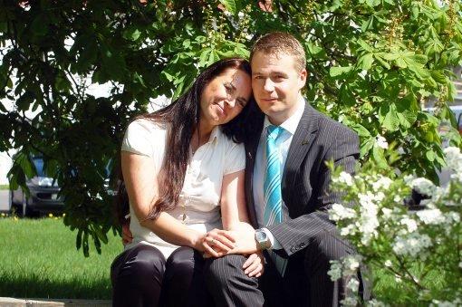 KLAR FOR VIELSE: Kjærligheten blomstrer i Fremskrittspartiet. 11. juli gifter Gry-Anette Rekanes seg med stortingsrepresentanten Per-Willy Amundsen.