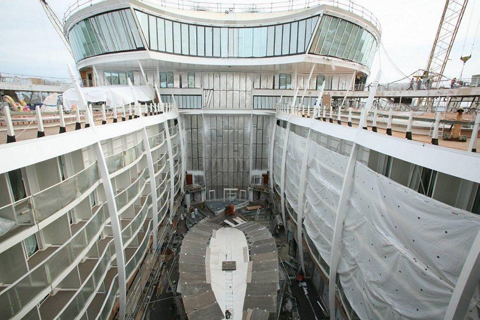 Oasis of the Seas er 23 meter lenger enn den forrige Freedom-klassen. (Foto: RCCL/ANB)
