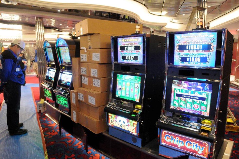 Selvsagt er det casino også i Oasis. (Foto: Thomas Hildonen, ANB)