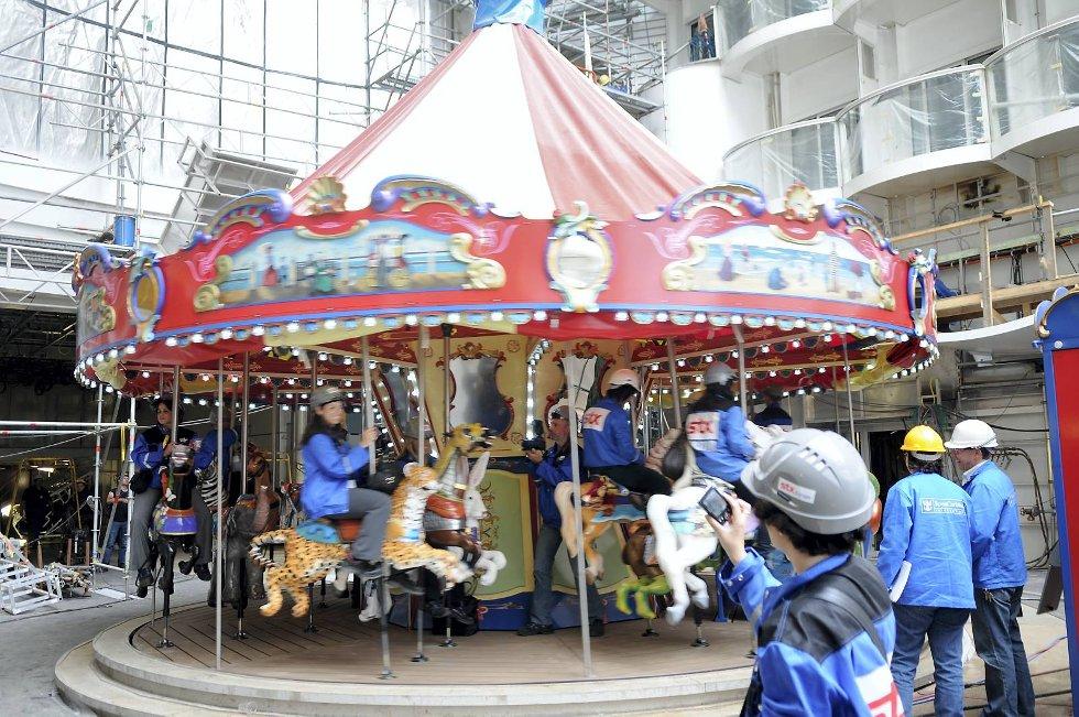 Verdens første karusell på en cruisebåt. (Foto: Thomas Hildonen, ANB)