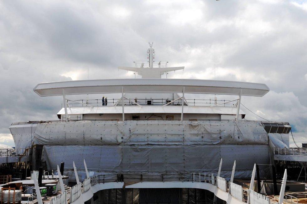 Det er ingen tvil om at Oasis har verdens største spoiler. Den gjør skipet stabilt og sørger for at vinden ikke draes ned mot dekk. (Foto: Thomas Hildonen, ANB)