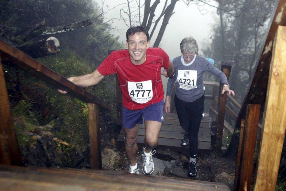 Johnny Fagerheim i klasse 45-49 år og Lola Haugland i klasse 70-74 år. (Foto: Anders Mo Hanssen)