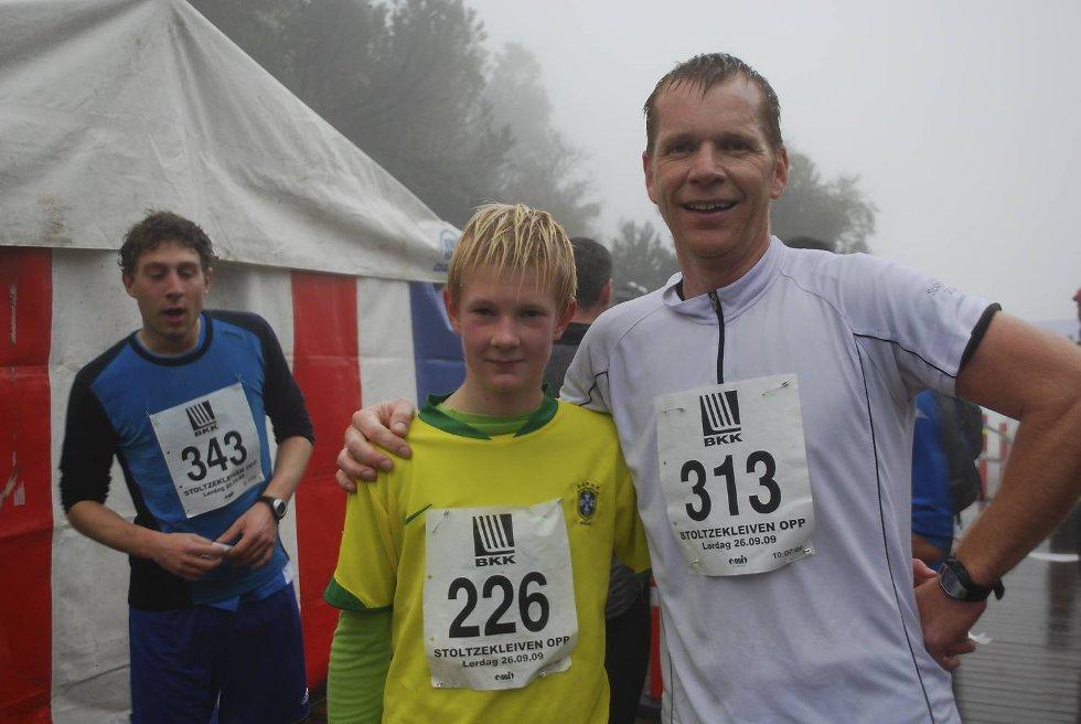 ? Jeg er raskest, ler Peter Eikeland. Pappa ble slått med over minuttet. (Foto: )