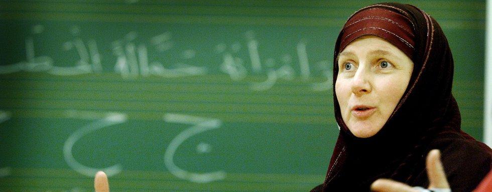 MUSLIM: Sandra Maryam Moe er født og oppvokst i Tromsø, og konverterte til islam i voksen alder. Hun er daglig leder ved Alnor senter.
