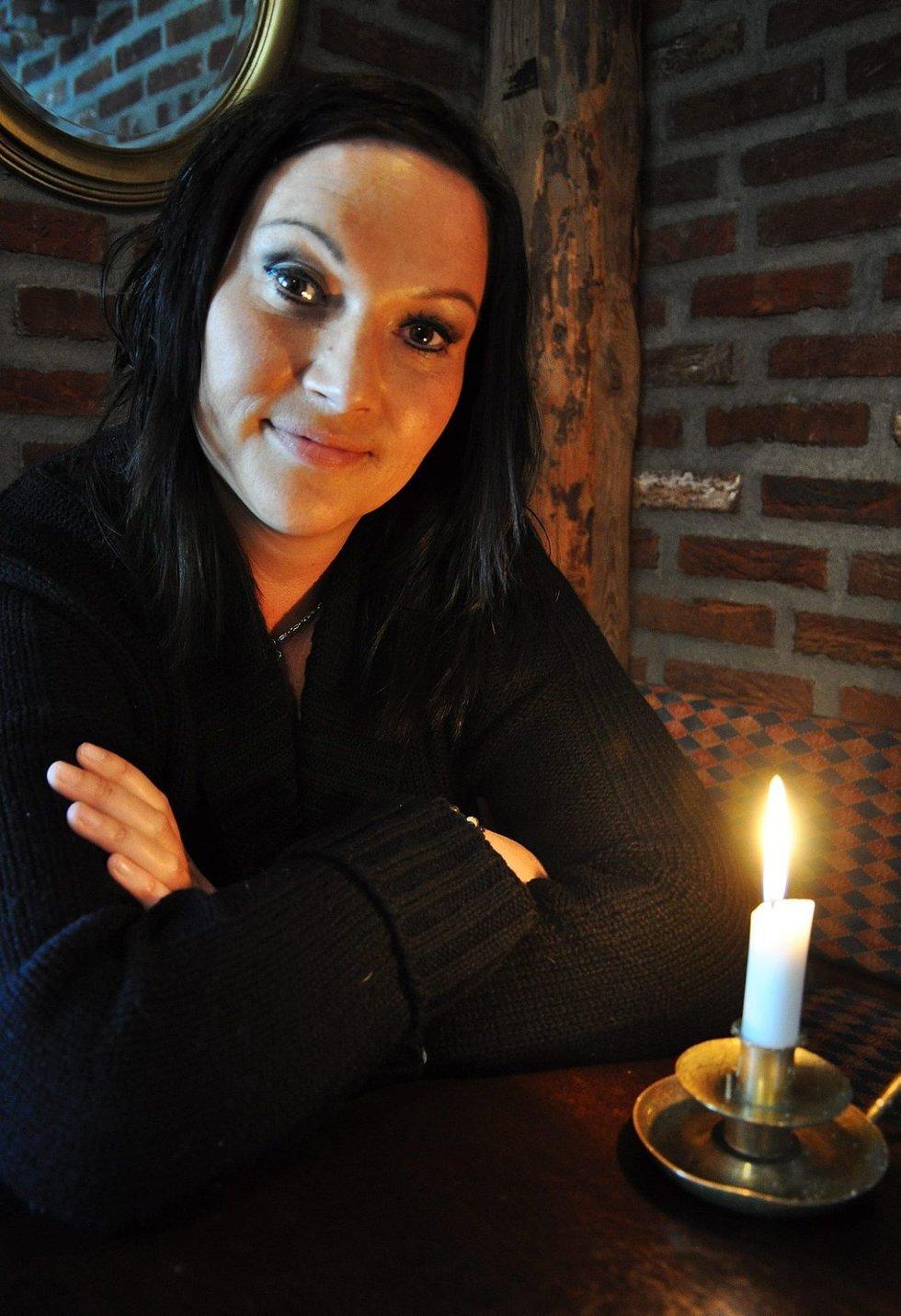 KLARSYNT: Elisabeth Gimsøy fra Evenskjer vant nylig «Jakten på den 6. sans» på TVNorge.Foto: Lasse Jangås