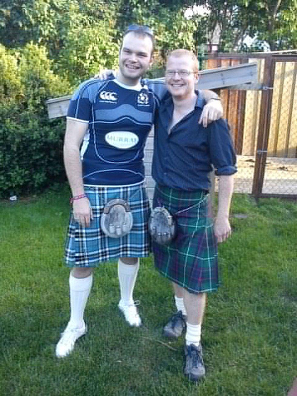 Venner fra Skottland på Stavernfestivalen. (Foto: Privat)