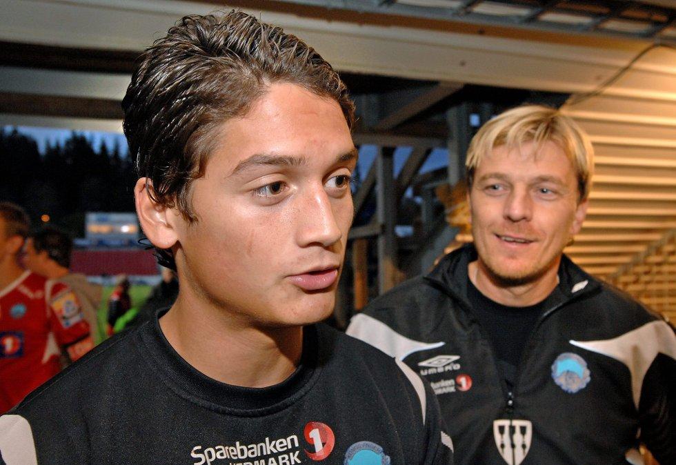 TV Kjell Rune Sellin             TH trener Tony Gustavsson             KIL herre fotball på Gjemselund             KIL - Sandefjord              1 - 0             FOTO: JENS HAUGEN (Foto: )