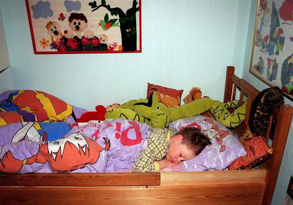 En vanlig madrass kan innholde inntil to millioner sengemidd, som forsyner seg av dine avskallede hudflak mens du sover.