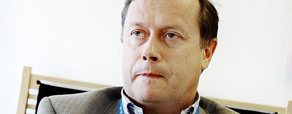 PÅ JAKT ETTER SYKEPLEIERE: Pål Wiik, divisjonsdirektør ved Ahus, ber andre sykehus om hjelp for å dekke bemanningsbehovet ved Ahus. FOTO: KRISTER SØRBØ