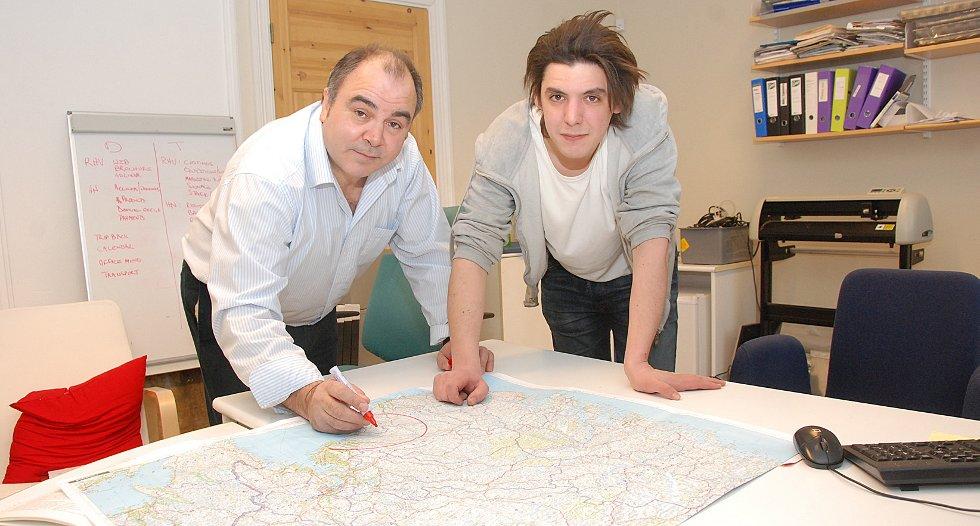 Tony Reed og David Arnesen satser på at Risøretableringen av Norway Direct vil føre flere reiseglade til Risørregionen!