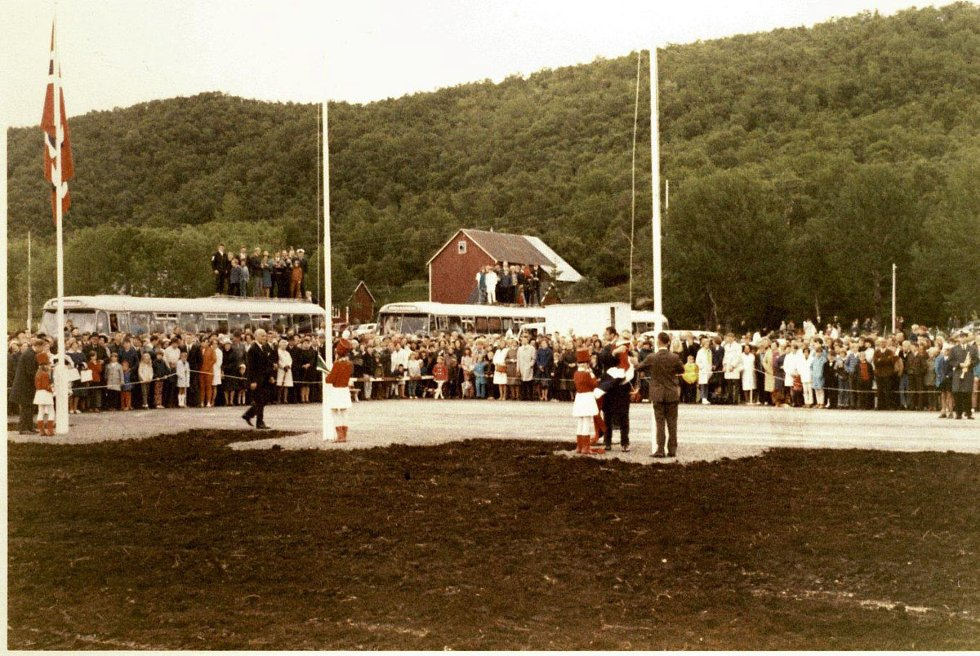 Det var stappfullt på Stokka under åpningen 30. juni 1968. Bilde utlånt av Steinbjørn Mentzoni (Foto: )