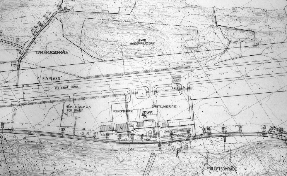 Nato-planen for utvidelse av Stokka til 3.000 meter fra 1981. Tegning fra arkivet til Steinbjørn Mentzoni (Foto: Morten Hofstad)