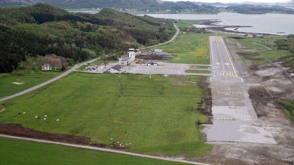 Utvidelsen av Stokka til 1.200 meter mangler bare asfalt og landingslys. Og 11 millioner. Foto: Steinbjørn Mentzoni (Foto: )