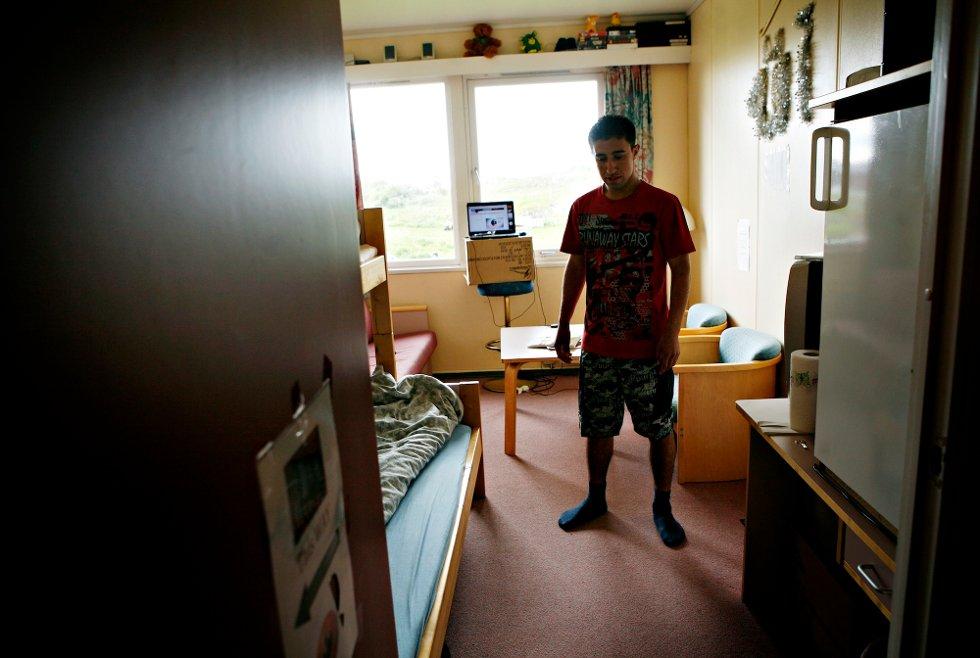Nordlys møtte Rahim Rastami på Senja like før julen i 2008 Da hadde han akkurat fylt 18, men vært på mottaket en stund allerede.